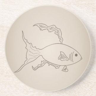 Pequeños pescados del oro posavasos