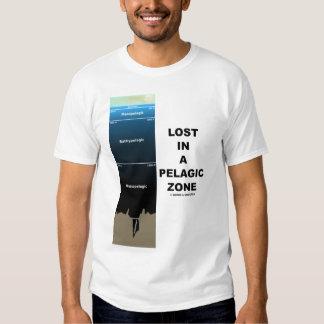 Perdido en una zona pelágica (oceanografía) camiseta