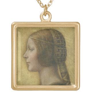 Perfil de un prometido joven collar dorado