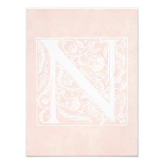 """Pergamino """"N """" del rosa color de rosa del monogram Fotografía"""