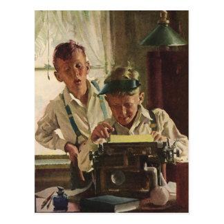 Periodistas del periódico del muchacho de los postal