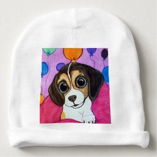 Perrito del beagle con los globos gorrito para bebe