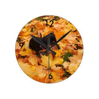 Perrito del Dachshund Reloj Redondo Mediano