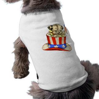 Perrito del vintage con ropa del mascota de la camiseta sin mangas para perro