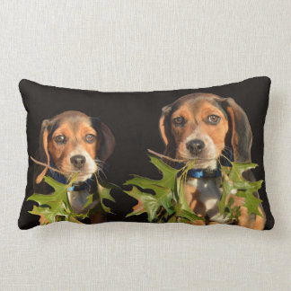 Perritos juguetones de los hermanos del beagle cojín lumbar