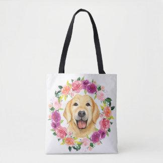 Perro amarillo del laboratorio con la bolsa de
