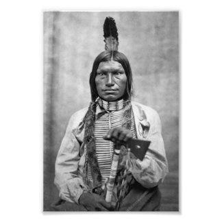 Perro bajo - foto del vintage del nativo americano