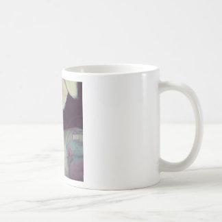 Perro blanco lindo taza de café