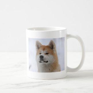 Perro de Akita Inu que parece serio Taza De Café