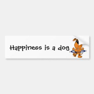 Perro de caza feliz que juega el aro de Hula Etiqueta De Parachoque