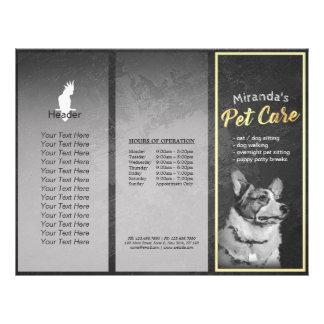 Perro de la preparación del cuidado de animales de flyer