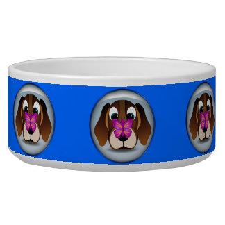 Perro de perrito del beagle y cuenco lindos del tazon para perro