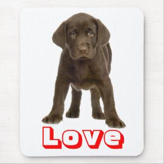 Perro de perrito marrón del labrador retriever del alfombrilla de ratón