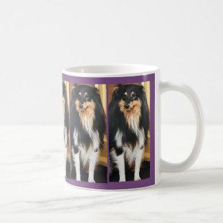 Perro del acebo taza de café
