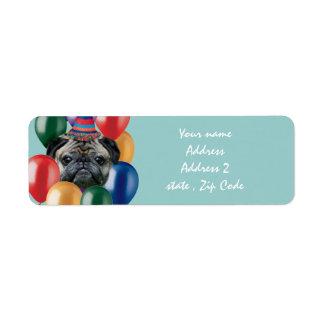 Perro del barro amasado del feliz cumpleaños etiqueta de remite