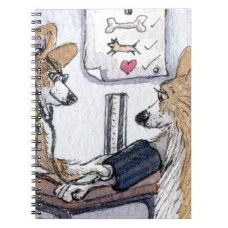 Perro del doctor Galés Corgi que comprueba la pres Cuaderno