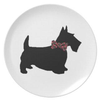 Perro del escocés en pajarita de la tela escocesa platos para fiestas