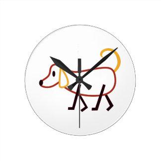 Perro del palillo reloj redondo mediano