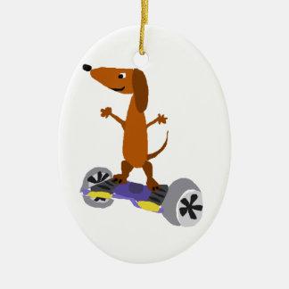 Perro divertido del Dachshund en Hoverboard Adorno Navideño Ovalado De Cerámica