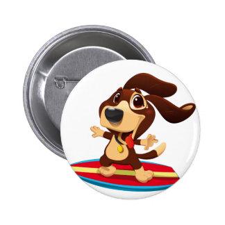 Perro divertido lindo en un ejemplo de la tabla chapa redonda de 5 cm