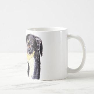 Perro divertido peculiar del acechador taza de café