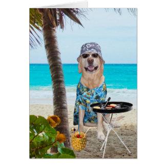 Perro/laboratorio divertidos en camisa hawaiana en tarjeta