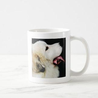 Perro pirenáico de la montaña taza de café