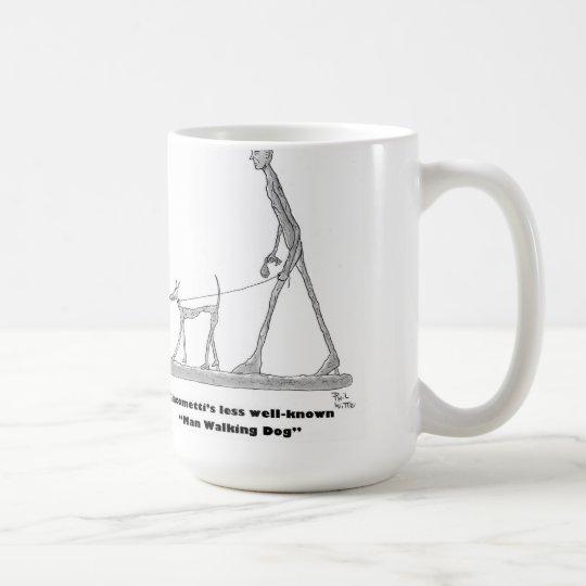 Perro que camina del hombre taza de café