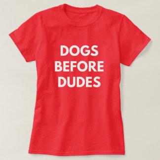 Perros antes de tipos camiseta