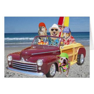 Perros/laboratorios en la playa tarjeta de felicitación