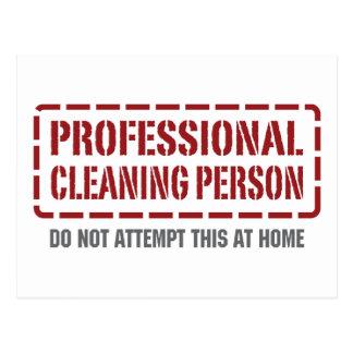 Persona profesional de la limpieza postal