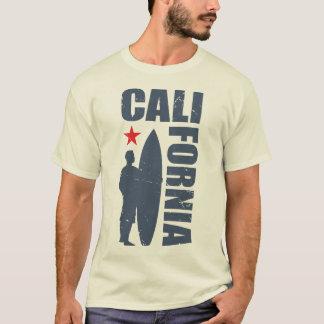 Persona que practica surf de California del estilo Camiseta