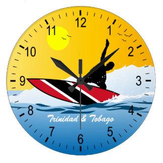Persona que practica surf de Trinidad y de Reloj Redondo Grande