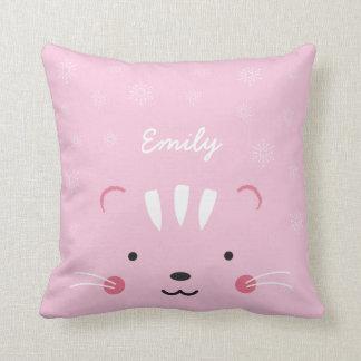 Personalice conocido se ruborizan almohada rosada