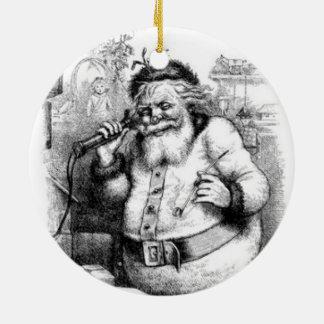 Personalice el ornamento de antaño del tema del adorno navideño redondo de cerámica