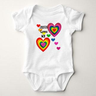 Personalice: Jesús me ama con la camiseta de los