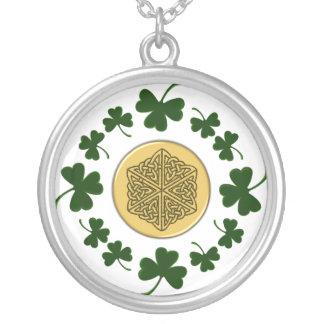 ¡PERSONALIZABLE!  Tréboles - Celtic irlandés del o Collares Personalizados