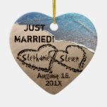 Personalizado dos corazones en el ornamento del adorno