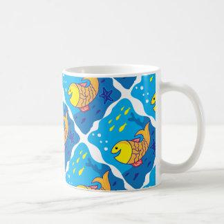 Pescados de la sonrisa taza de café