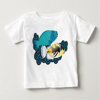 Pescados del loro de Hawaii de la bahía de Hanauma Camisetas