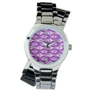 Pescados modernos, rosa y violeta de los mediados reloj de mano