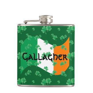 Petaca Bandera irlandesa con los tréboles