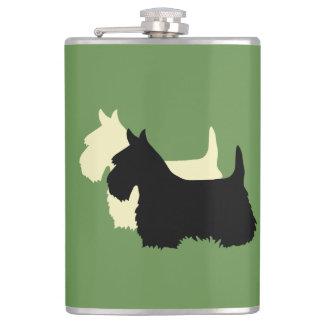 Petaca Escocés silueta negra/blanca de Terrier