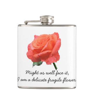 """Petaca """"Flor delicada"""" subió en la plena floración"""