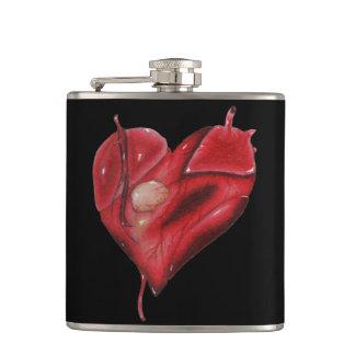 Petaca Frasco envuelto negro vinilo con el corazón del