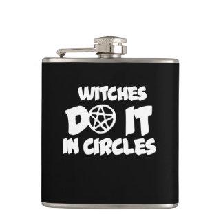 Petaca Las brujas lo hacen en círculos