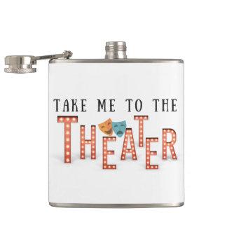 Petaca Lléveme al teatro