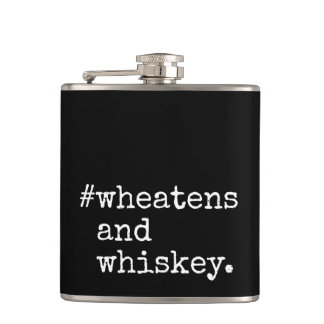 Petaca Wheatens y whisky