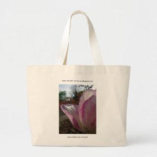 Pétalos del tulipán de color de malva bolsa de mano