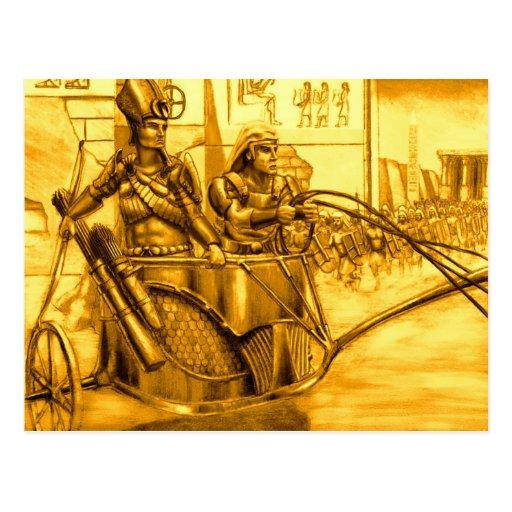 Pharaoh egipcio en su carro tarjetas postales